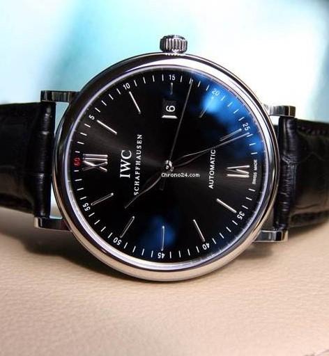 万国手表维修服务中心的手表展示