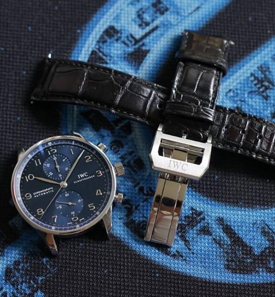 北京万国维修中心教你保养万国手表