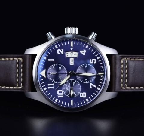 万国手表维修中心展示手表