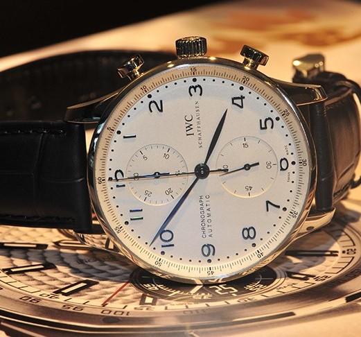 万国手表维修中心教你保养万国手表