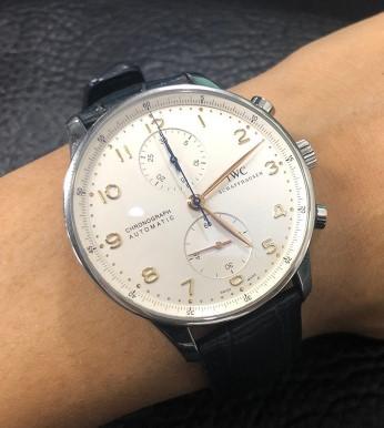 万国手表拆卸机芯要准备的东西